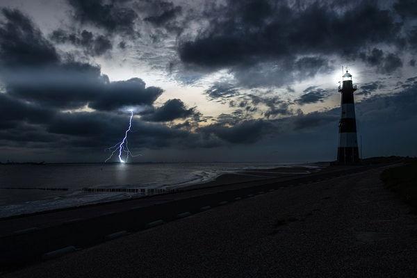 soñar con una tormenta en el mar