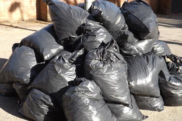 sueños con bolsas de basura