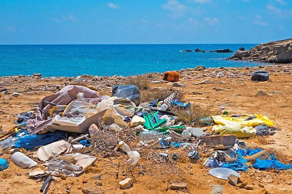 sueños con basura en el mar