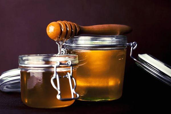 soñar con miel frecuentemente